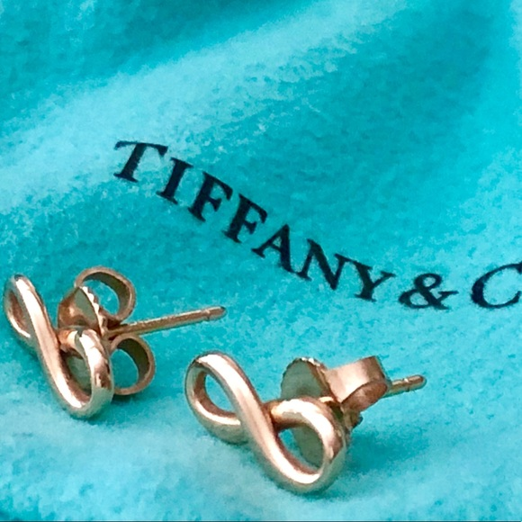 01b3b63e0542f 🎀Authentic 18K Gold Tifanny  Co.Infinity Earrings.  M 5b3a6da41b3294e64a861526